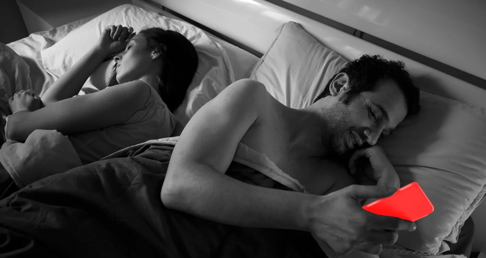 15 Red Flags That Reveal Your Spouse Is Cheating On You